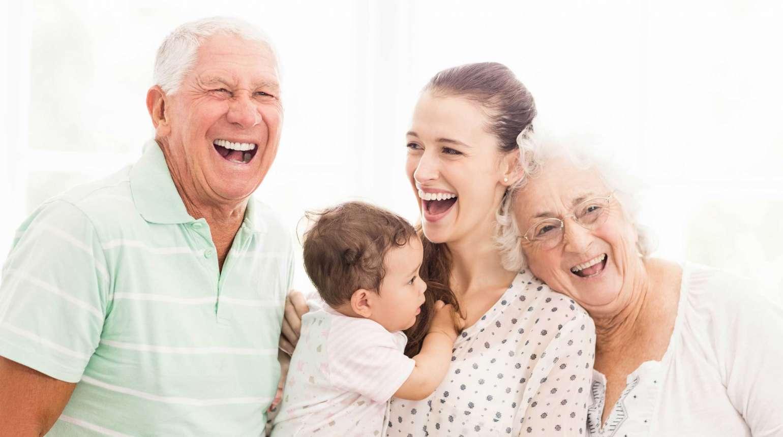 Aliados de sonrisa brillante