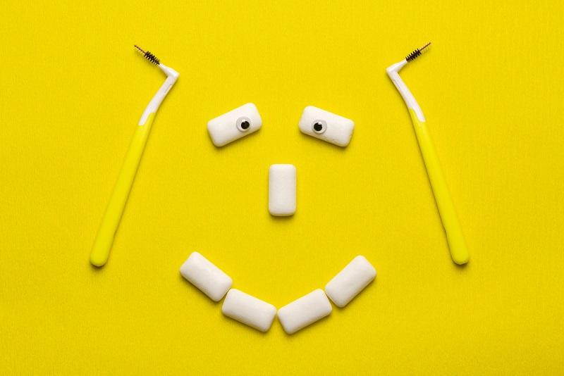 ¿Los chicles limpian mis dientes?