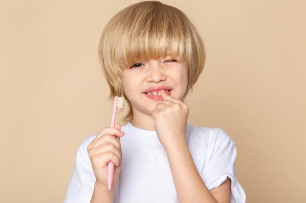 Tips para proteger los dientes de tus hijos este verano